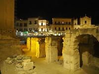 De opgraving bij night