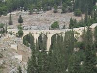 Viaduct verschaft toegang tot de grottenstad