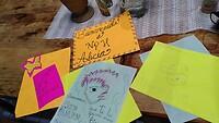Tekeningen van de kinderen om me te verwelkomen
