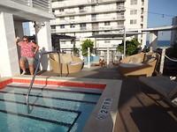 prive zwembad op het dak