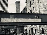 Distillery District - zwart wit voor de sfeer van toen...