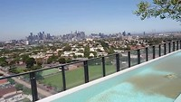 Uitzicht vanaf de19de verdieping van ons complex in Melbourne