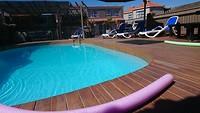 Zwembadje bij ons motel
