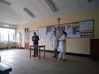 Leroy voorstellen tijdens morning prayer