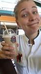 Intens gelukkig met m'n ijskoffie in het ziekenhuis