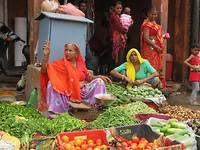 verkoop van groenten en fruit op straat
