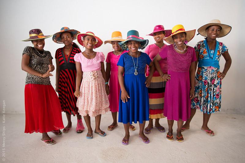 Dress Ceremony, de VVF-dames die afscheid nemen na hun operatie...!