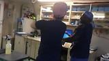 Met mijn collega uit de Filipijnen onze daycrew Peter de Macarena dans leren.. ;)