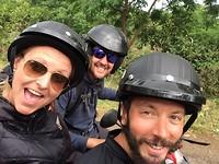 Op de scooters op Paaseiland