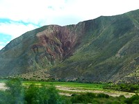 Eenmaal om de berg heen ziet alles er weer stralend uit.