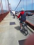 Fietsen over de Golden Gate Bridge, helm verplicht