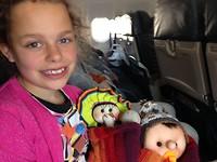 Chillen in het vliegtuig met alle nieuwe Peruaanse popjes ;-)