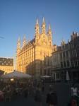 De Leuvense kerk in het avondzonnetje