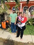 Afscheid van Nardo en schoonmoeder met haar kleinkind
