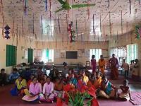 Op bezoek in één vd vele communities in Gaibandha, noordelijk Bangladesh. Zeer hartelijke ontvangst.