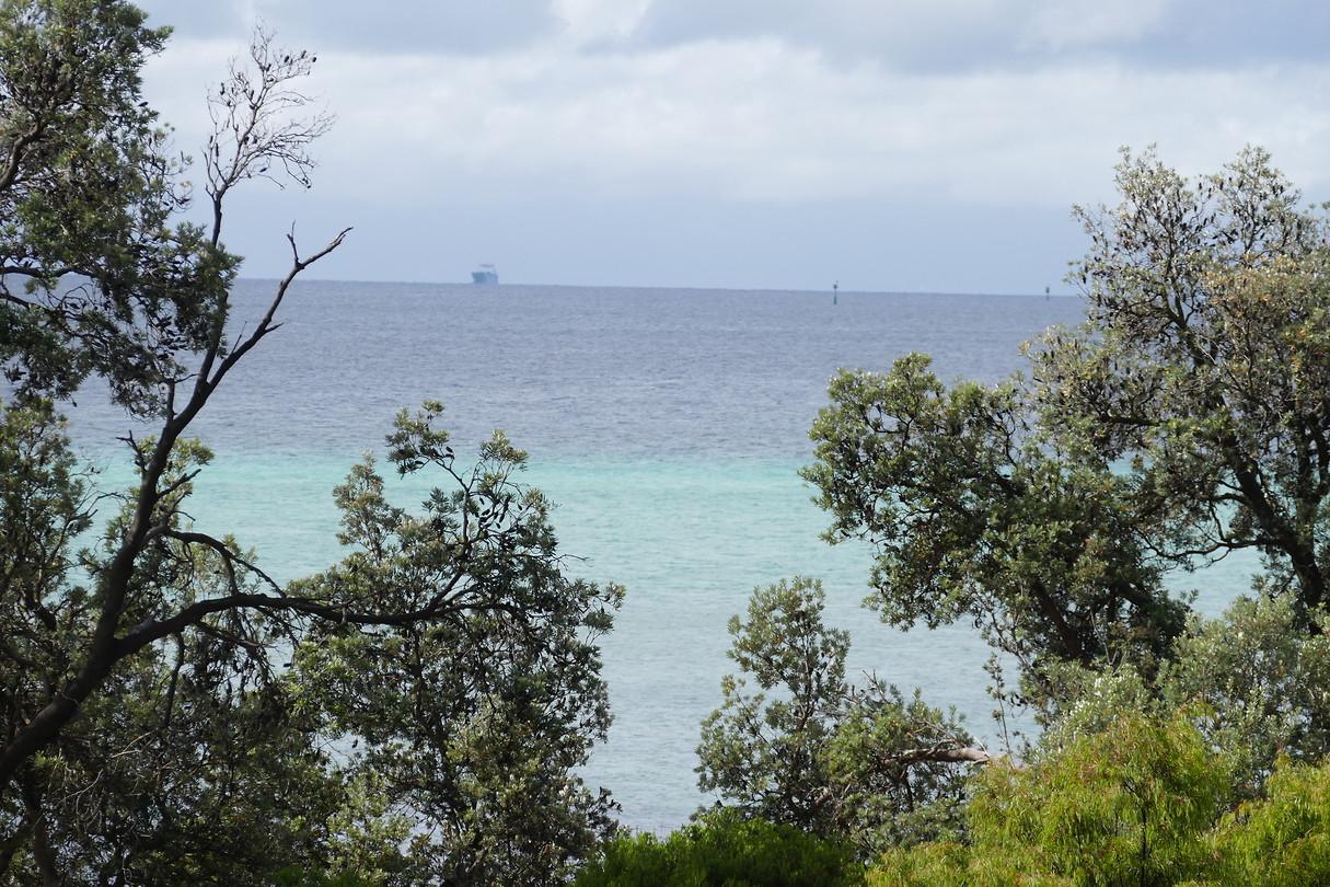 Prachtige kleuren zeewater; groen en grijs