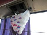 de airco lekte op Bennie zijn hoofd in de bus, even een oplossing gezocht