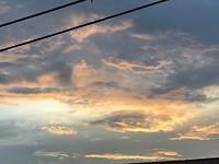 Elke avond zien we de zon ondergaan vanaf ons balkon