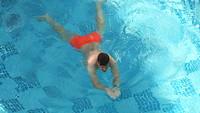 Berry aan het zwemmen.
