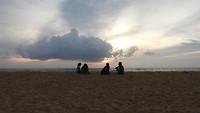 Het strand voor ons hotel in Negombo.