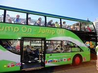 De Jump On bus werkte goed met de rolstoel