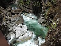 Langs de woeste rivier