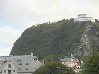 Alesund: we gaan naar boven voor het uitzicht vanaf deze berg