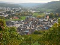 Uitzicht op Saarburg en de Saar