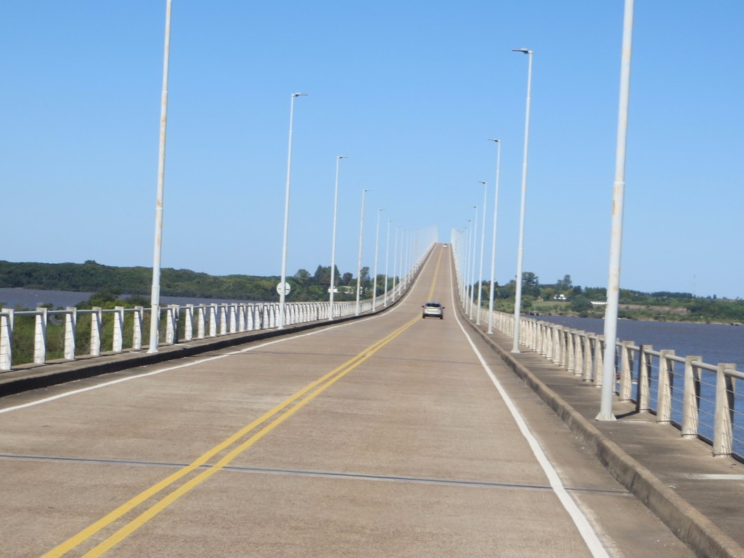 Internationale brug tussen Argentinië-Uruguay