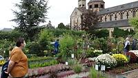 Het tuincentrum naast de abdijkerk