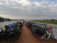 Alle fietsen aan dek
