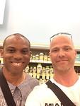 36. Selfie met Sunday Oliseh