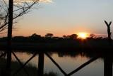 zonsondergang van onze veranda aan de Kwando rivier