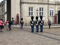 Koninklijk paleis, wisseling van de wacht