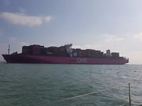 Groot containerschip op de Solent