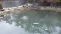 Warm water en hete lucht (mini vulkaan)