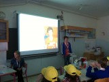 Matthijs presenteert zijn familie, in het Engels!