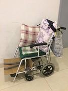 Mooi aangepast rolstoeltje!