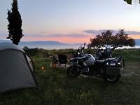 Het strand / de zee aan de Griekse Noordkustwaar onze tenten staan.