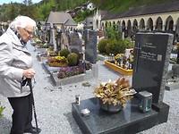 Het graf van Alfons en Richard bezoeken