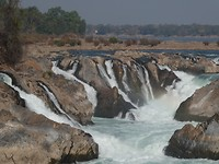 4naar Kratie - Khone Pha Pheng watervallen