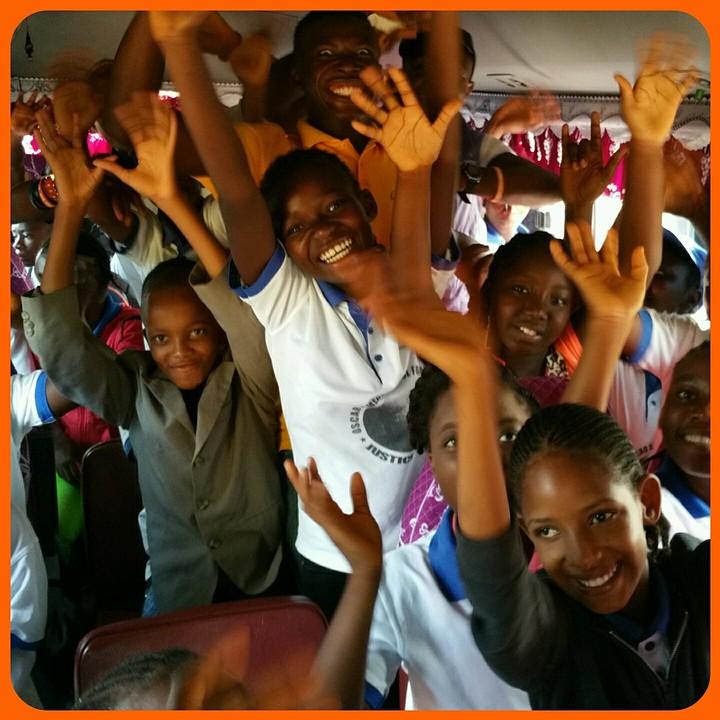 In de bus naar Monrovia