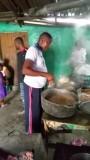 voorbereiding van het eten voor de opening in Gayahills