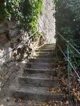 de klim naar burcht Ehrenbreitstein