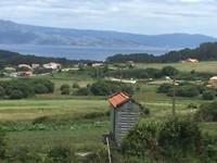 Het groene agrarische achterland van Fisterra