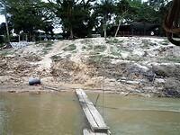 Aankomst per boot bij Kuala Tahan in Taman Negara NP.