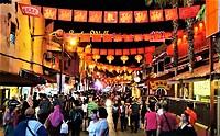 """De Night market in de """"Jonker walk""""."""