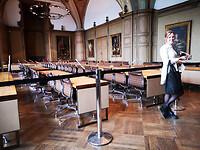 Ratssaal im Rathaus 02