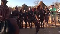 Himba-dansje zonder Johan
