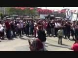 Dansen bij propaganda voor de HDP (pro-Koerdisch)